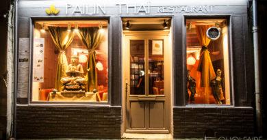 vitrine du Restaurant Pailin situé porte Morard à Chartres